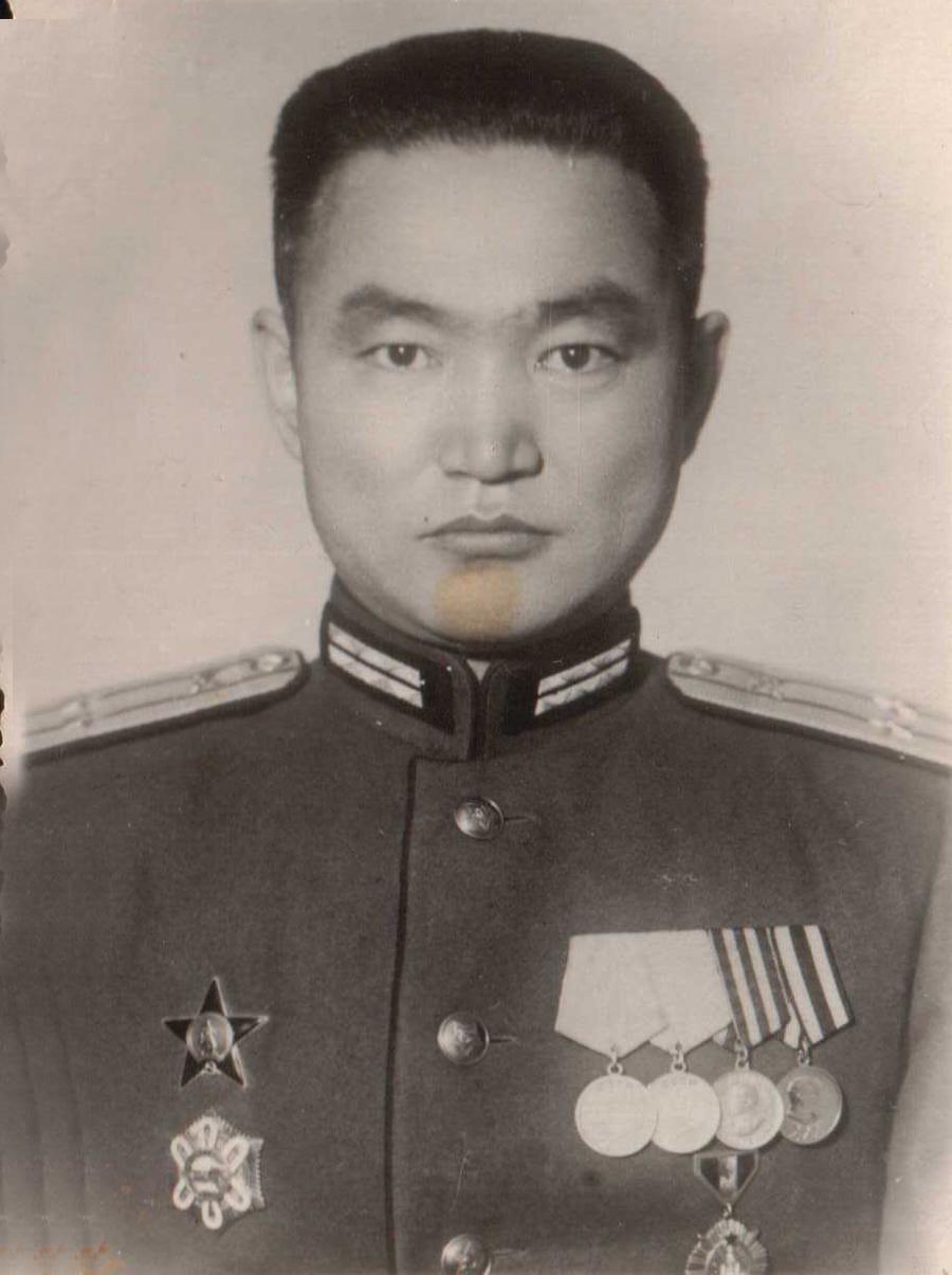 Дугарнимаев Буда 1950 г. Приаргунский р-н.Прокурор главный.jpg