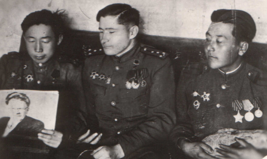 Капитан Юндунов Жамсаран.jpg