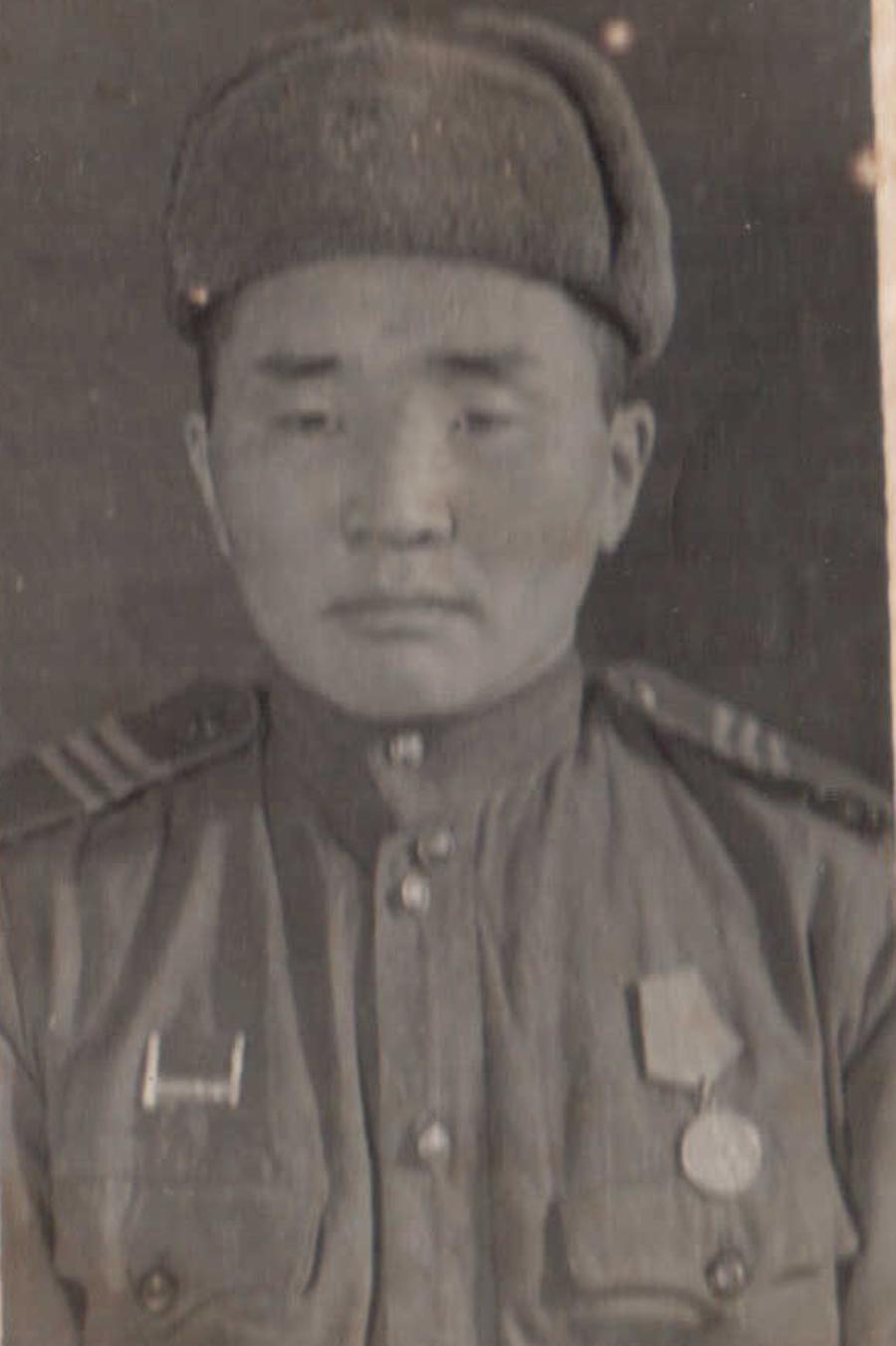Митэб Дугаржапов. 1913 г.р..jpg