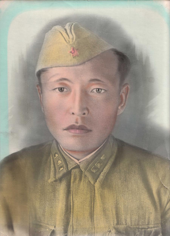 Очиров Цыденжаб, 1914 н.р., погиб в 1943 г..jpg