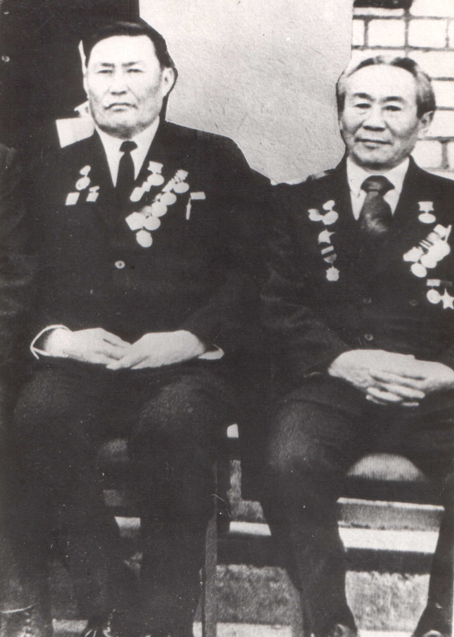 Бадма Жабон и Жамбал Аюров.jpg
