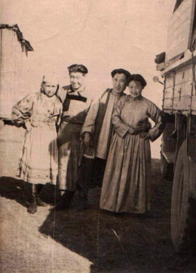1950-е. Батожаб Цыбиков и Борис Дарханов.jpg