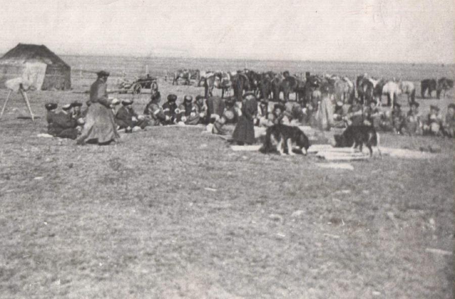2. Свадьба в степи. 1904 г.jpg