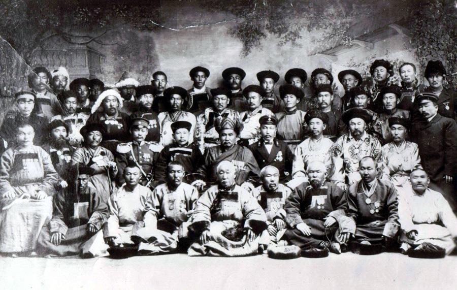 14. Агинская знать. 1911 год.jpg