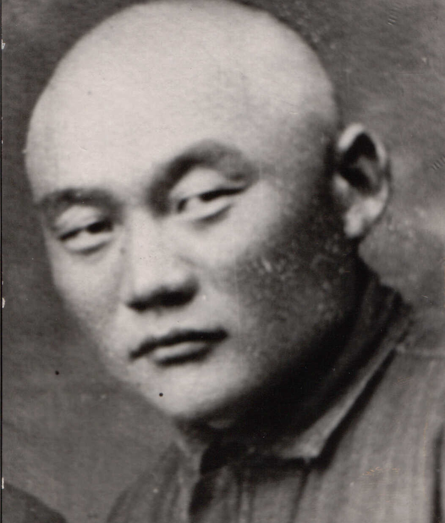 Бутэмжиев Будажаб 1904-1964.jpg