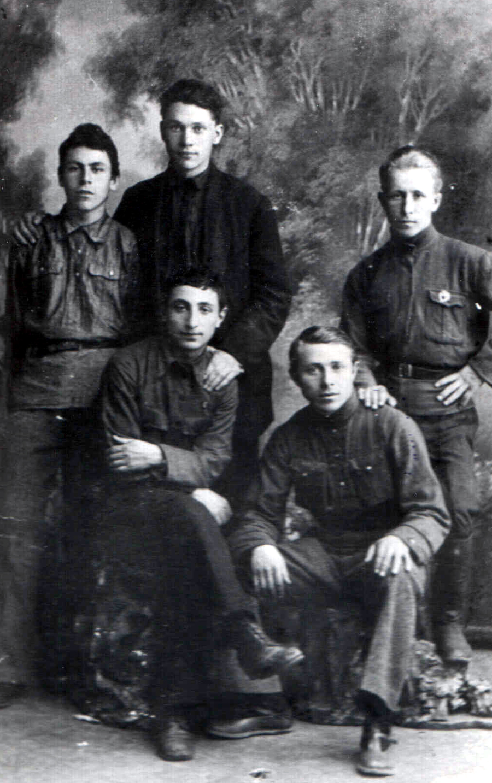 Бюро Заб. губкома РКСМ 2-го созыва 1921-22 г..jpg