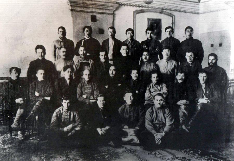 17. Конец 1920-х. Руководители Бурятии.jpg