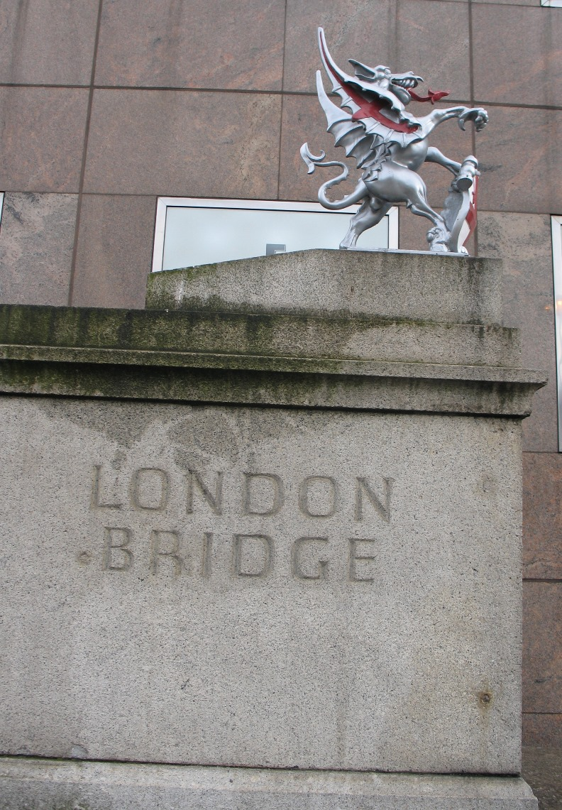 London Bridge Dragon