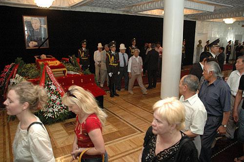 Прощание с Чингизом Айтматовым