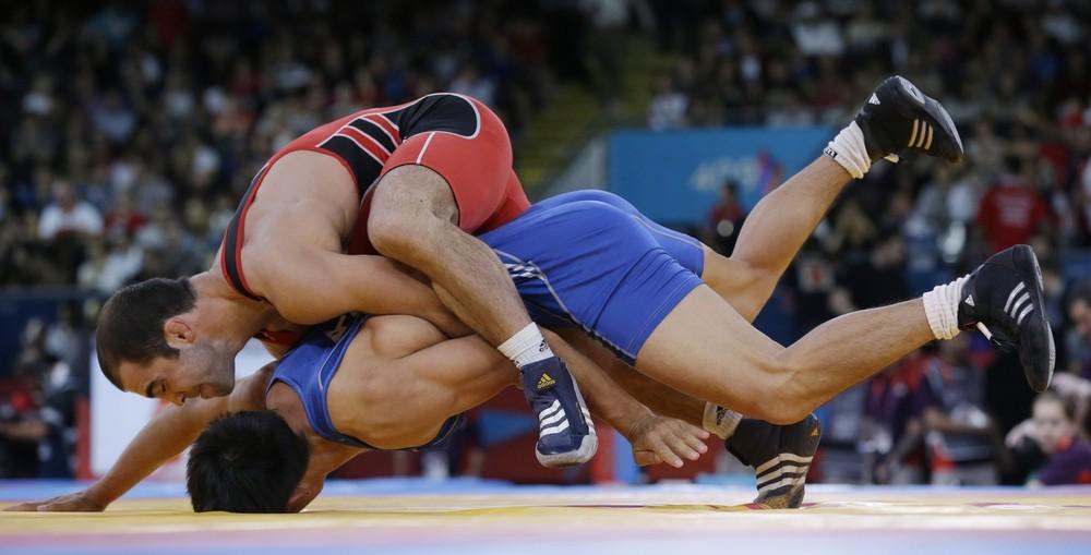 1/8 финала, схватка Кобонова с борцом из Армении