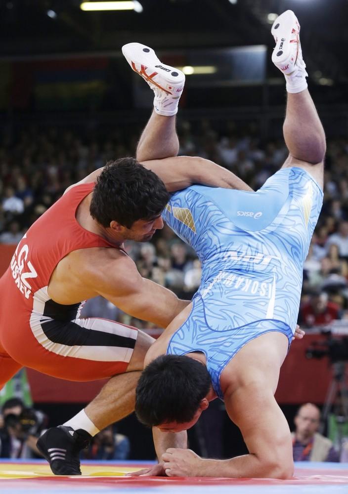 Борец из Кыргызстана Магомед Мусаев против борца из Японии ISOKAWA Takao