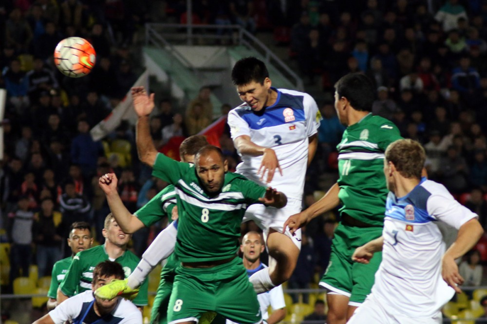 Football Kyrgyzstan Turkmenistan 1-0. Photo Azamat Imanaliev