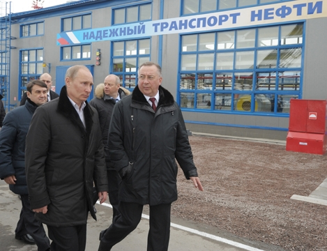 Путин в морском порту Усть-Луга, оформленном на «Гангрену» (Тимченко)