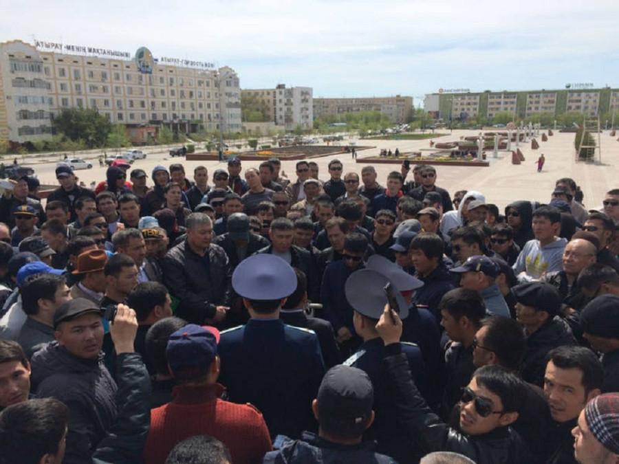 Кому нужна революция в Казахстане