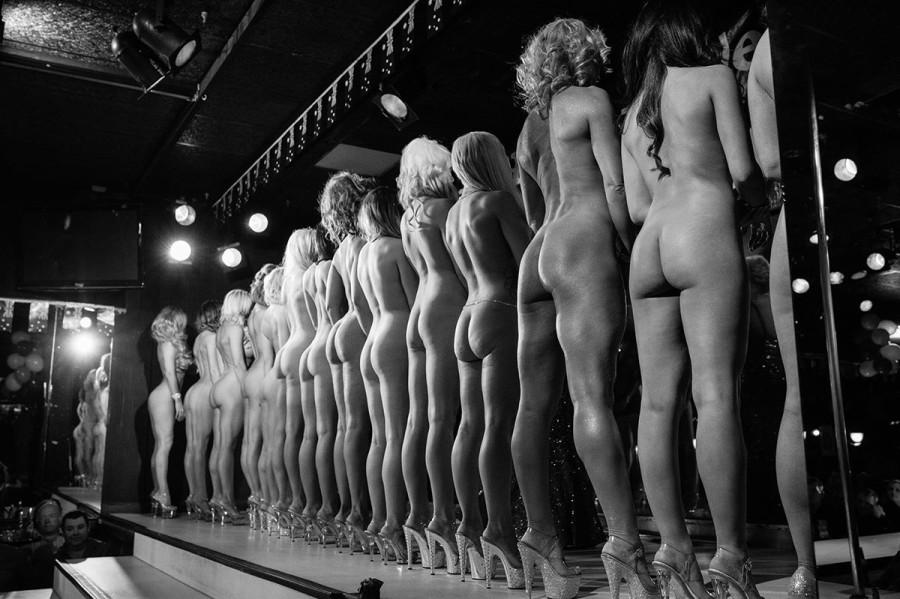 лишился, фото голых с конкурса нашли этот рассказ
