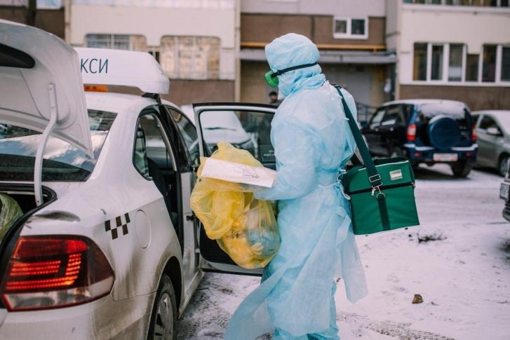 Выделили и подготовили специальный автопарк для нужд медиков в рамках проекта «Помощь рядом»Фото: «Яндекс.Такси»