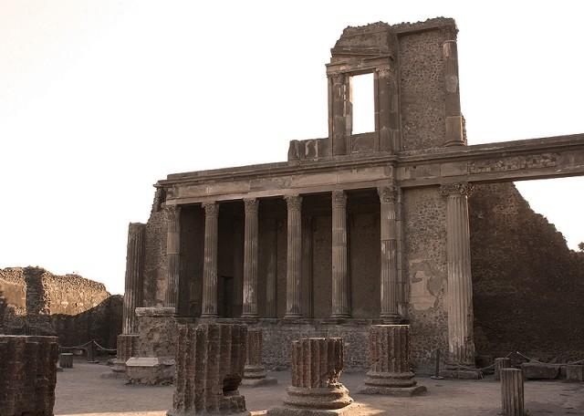 сокровища Помпеев и Геркуланума.