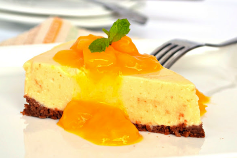 No-Bake-Mango-Cheesecake-with-Mango-Sauce