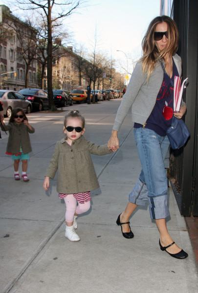 Cара Джессика паркер с дочкой в очках Babiators
