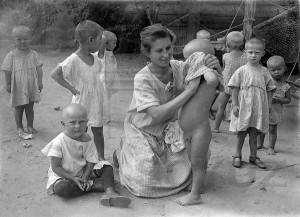 В детском саду, конец 1920-х. Фото: Б. Игнатович