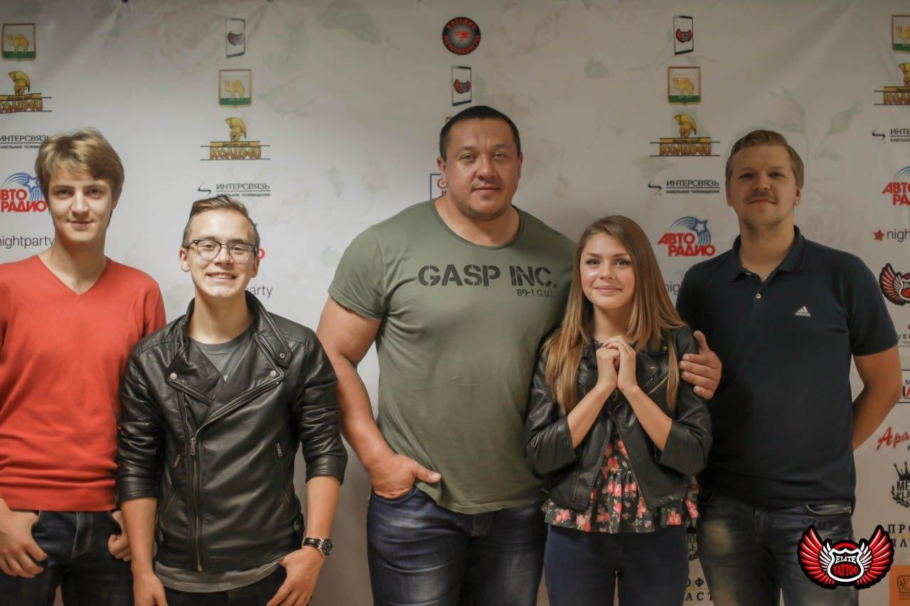 Bad Holiday и стронгмен Михаил Кокляев - знакомство
