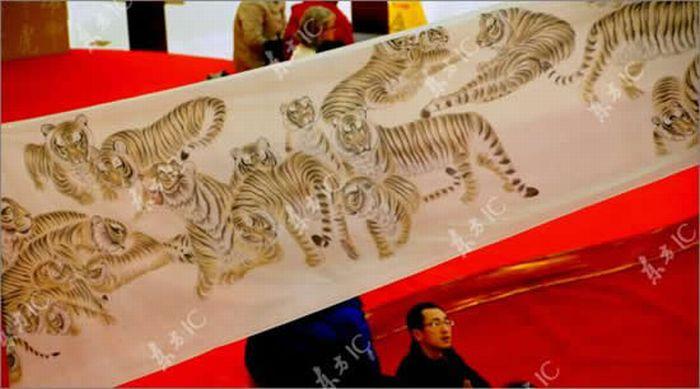 2010 тигров на одном свитке