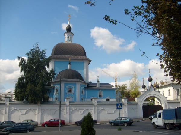 Восточный фасад церкви Покрова Пресвятой Богородицы в Марфо-Мариинском монастыре г. Белгород