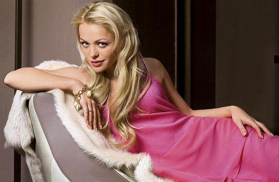 Бритые члены фотографии глупых блондинок онлайн большие жопы