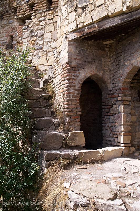 Ананури. Лестница, ведущая в башню