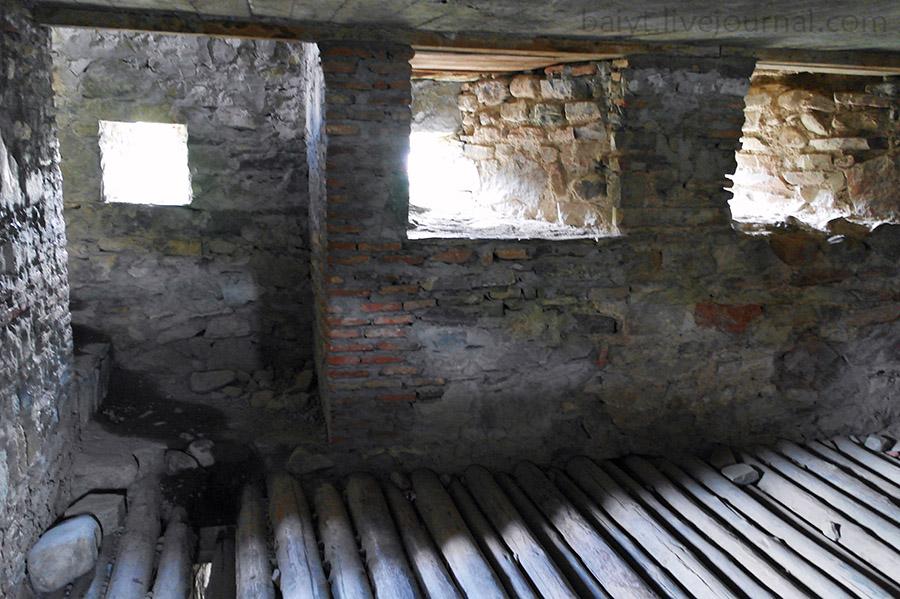 Ананури. Внутри башни