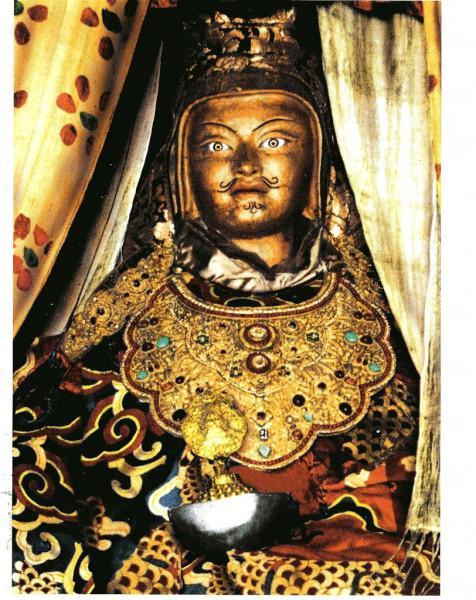 Guru_Rinpoche_Ngadrama_Statue-812x1024