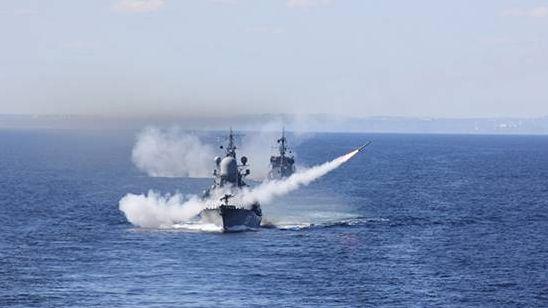 Учения сил Кольской флотилии Северного флота.