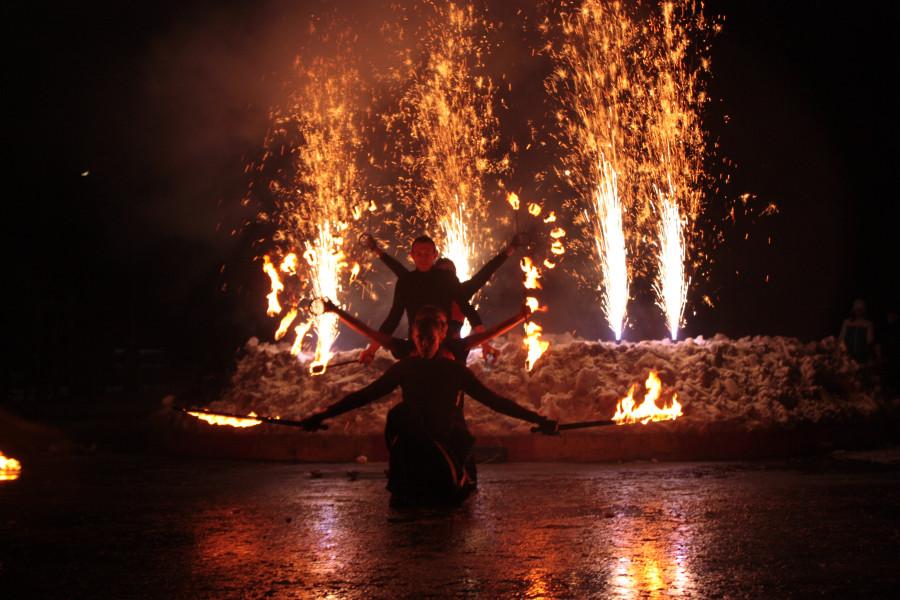 Театр огня и света ПЛАМЯ