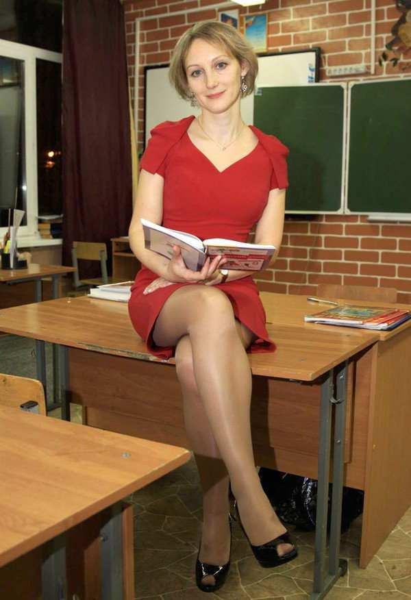 фото училка в колготках