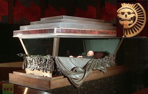 body-mausoleum-red-square