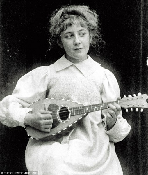 Agatha Christie 8 лет