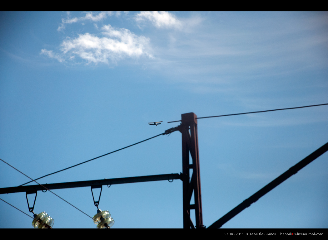 Кукурузник (Ан-2?) над Лопарской
