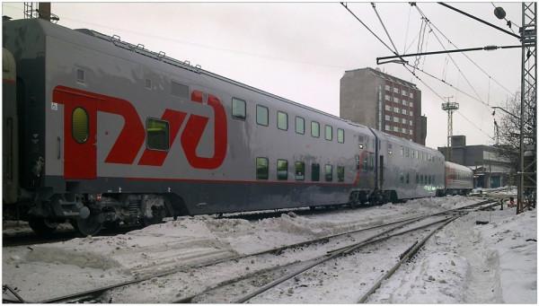 Двухэтажные вагоны на ст. Мурманск
