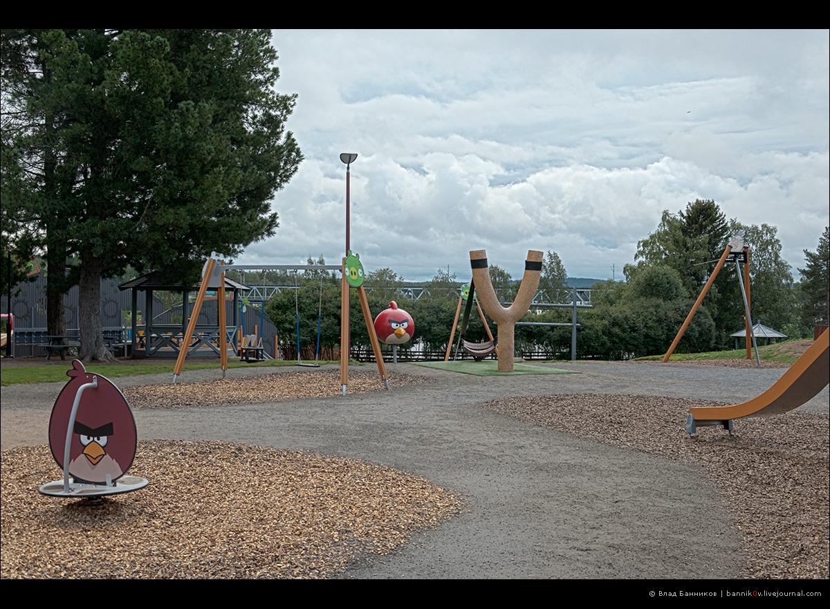 В парке Angry Birds | качели и рогатка