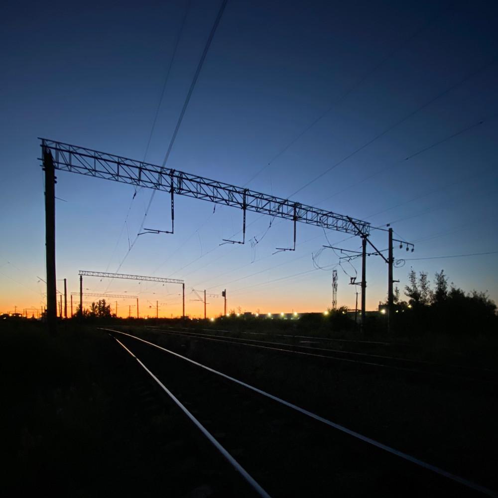 Ночью в Шушарах. Ближе к концу июня уже совсем темно ночью. Хоть и недолго. Но темно.