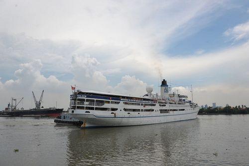 Христианское миссионерское судно Doulos