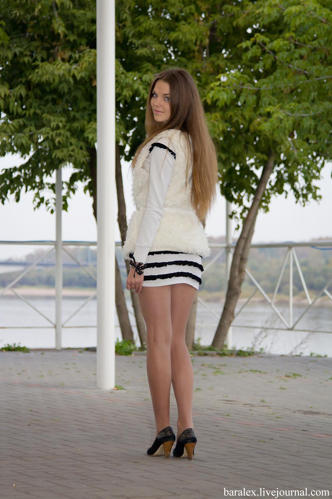 Фото девушки на улице в колготках 1 фотография