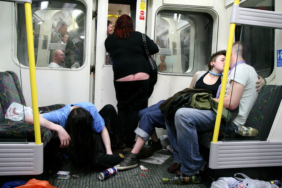 the-great-british-tradition-of-train-drinking-is-under-threat-of-extinction-450-body-image-1424721313