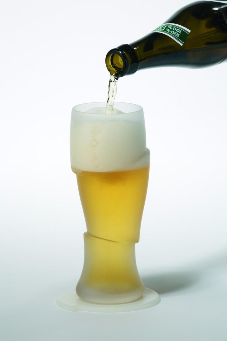 Sliced Cold Beer Glass разрубленный пивной бокал