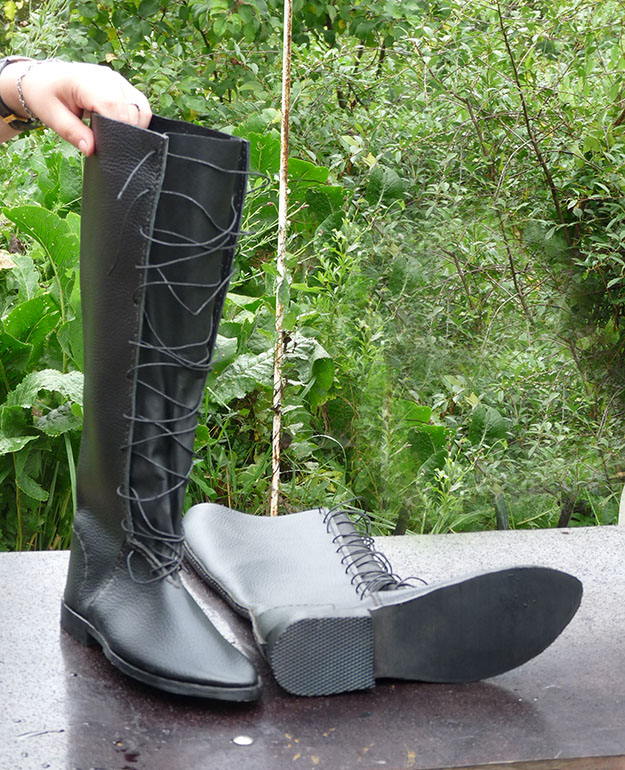 Сапоги чёрные шнуровка 2