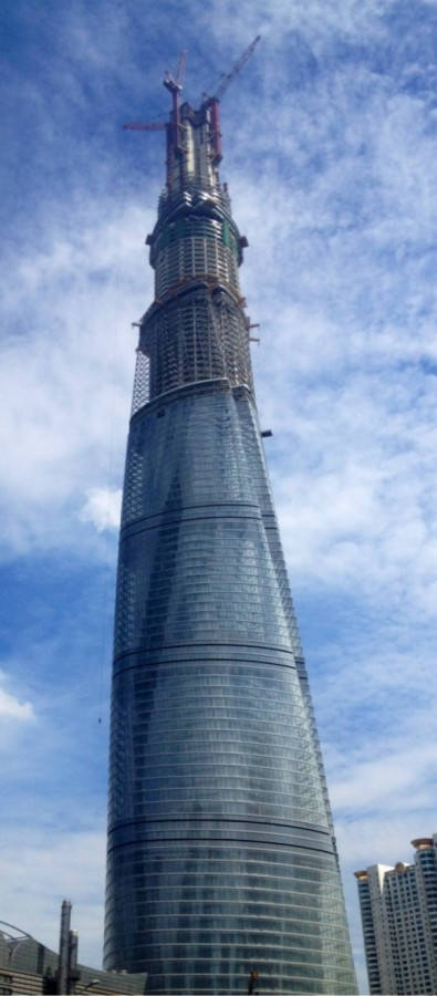 Shanghai_Tower_2013-8-3-685x1559