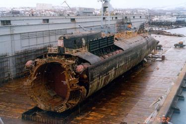 2001.Kursk.submarine.wreck.jpg