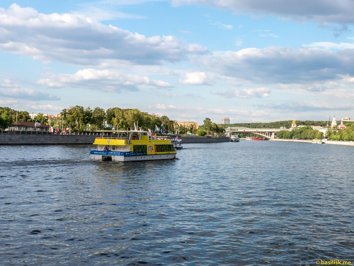 Река Москва. Андреевская набережная. Июнь 2018