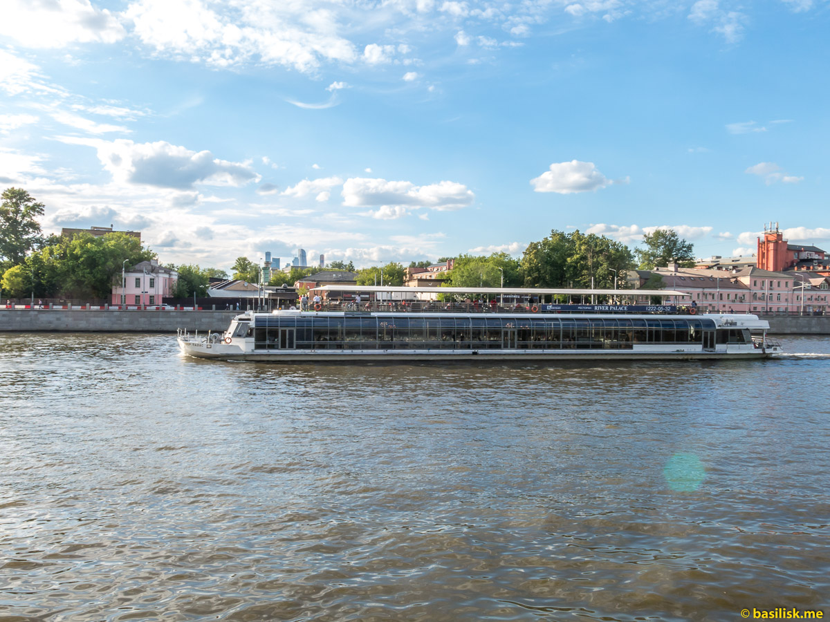 Река Москва. Андреевская набережная.Июнь 2018