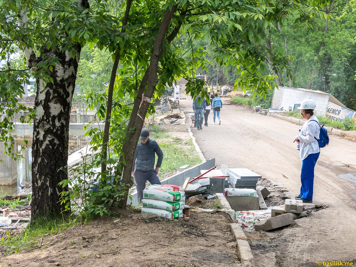 Пруды ВДНХ. Стройка и реконструкция на ВДНХ. Москва. Май 2018